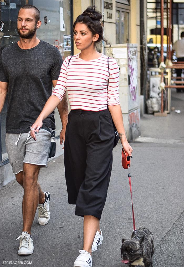 Stajling: suknja-hlače i bijele tenisice