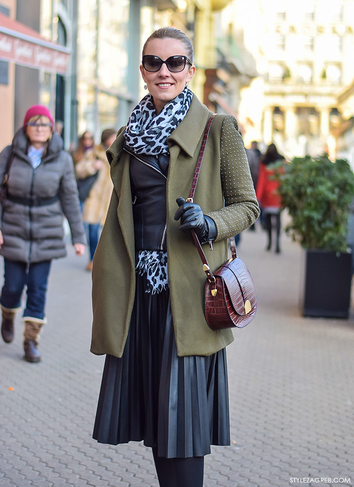 Street style moda advent Zagreb, kako kombinirati kožnu plisiranu suknju