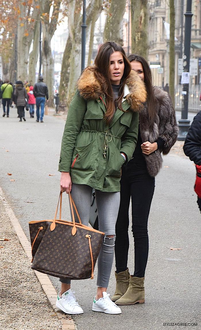 Advent Zagreb street style moda: kako stilizirati parka jaknu i bijele tenisice