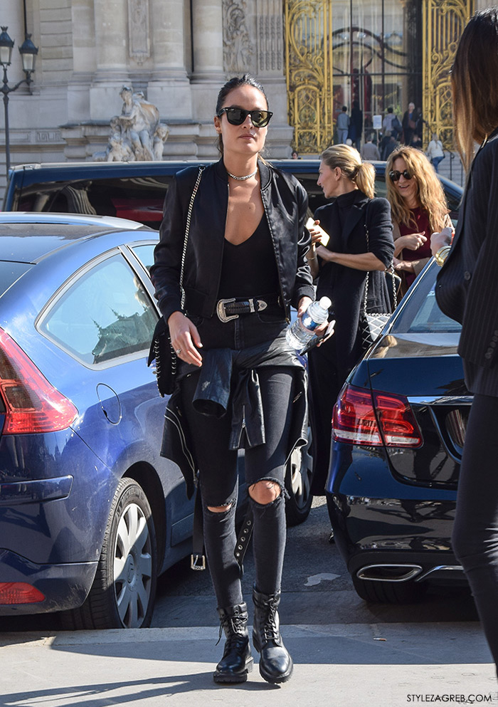 MODA: Kako kombinirati - street style outfit s crnom bomber jaknom i poderane traperice
