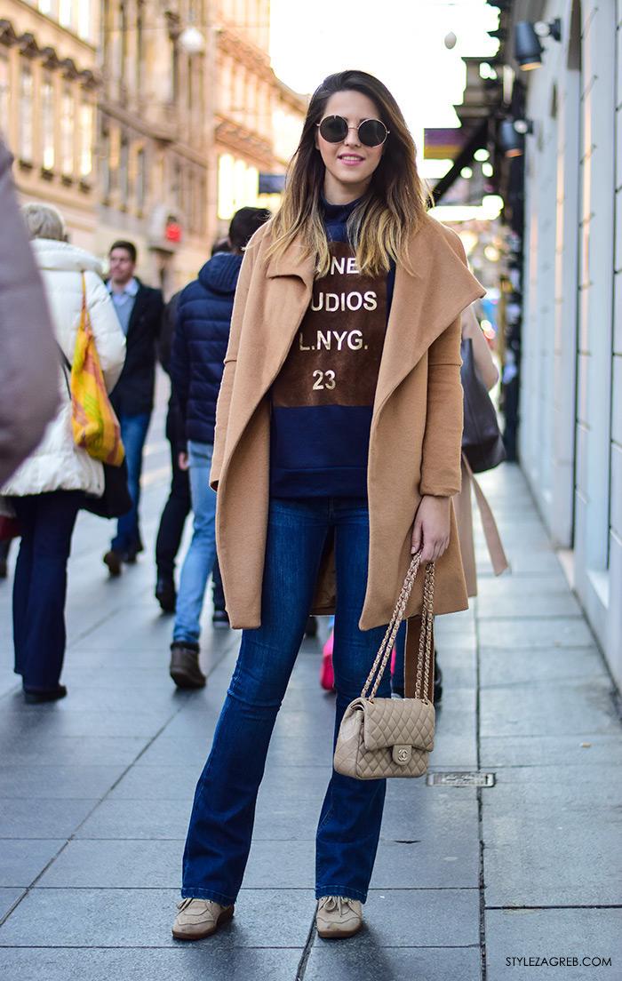 Street style moda Zagreb veljača 2016. Franka Mudronja, managerica.  Ideje za svakodnevni stajling MODA: Kako kombinirati trapezice, Chanel torbu, tenisice i bež kaput.