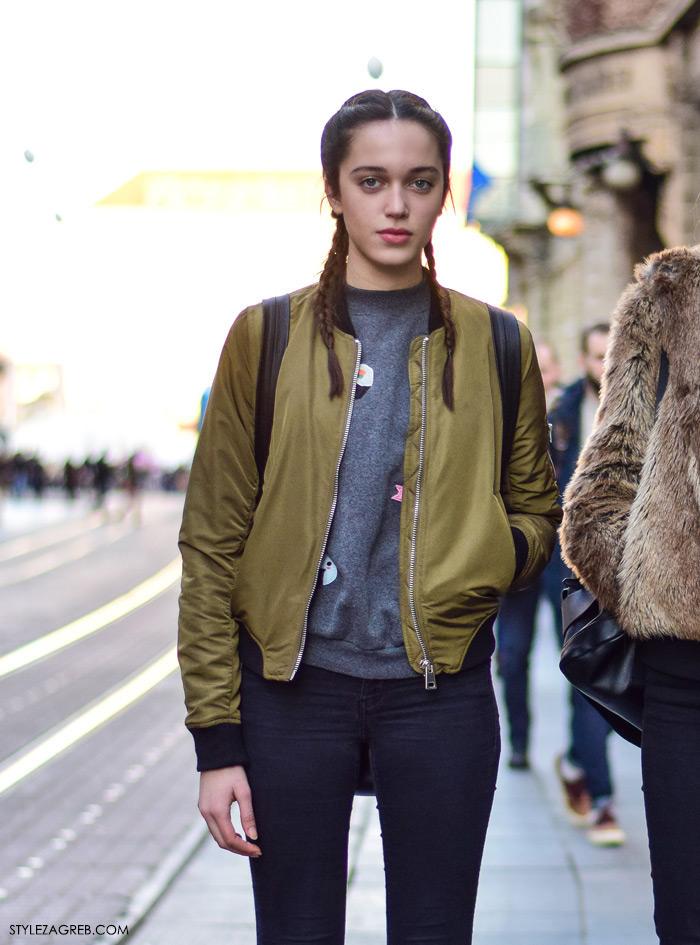 Street style moda Zagreb veljača 2016. Manekenka Magdalena May Gero, srednjoškolka. Ideje za svakodnevni stajling MODA: Kako kombinirati bomber jaknu i bijele tenisice; FRIZURA: kako isplesti pletenice