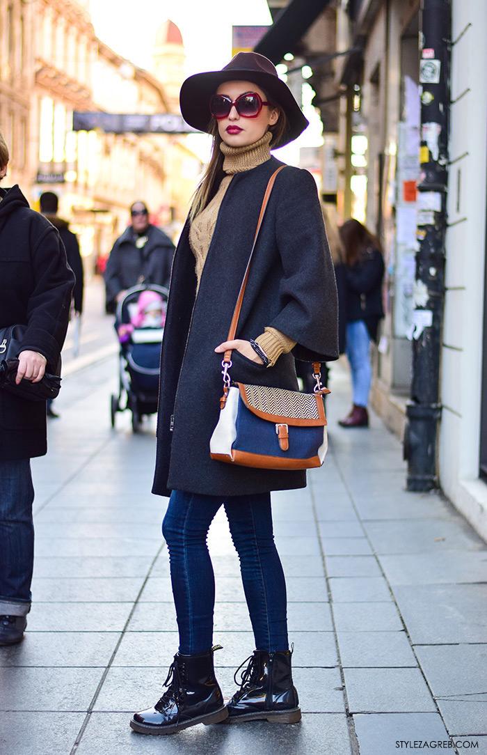 Street style moda Zagreb veljača 2016. Arijana Idrizi, pravnica. Ideje za svakodnevni stajling MODA: Kako kombinirati fedora šešir, pletenu dolčevitu, sivi kaput i marte od lakirane kože.