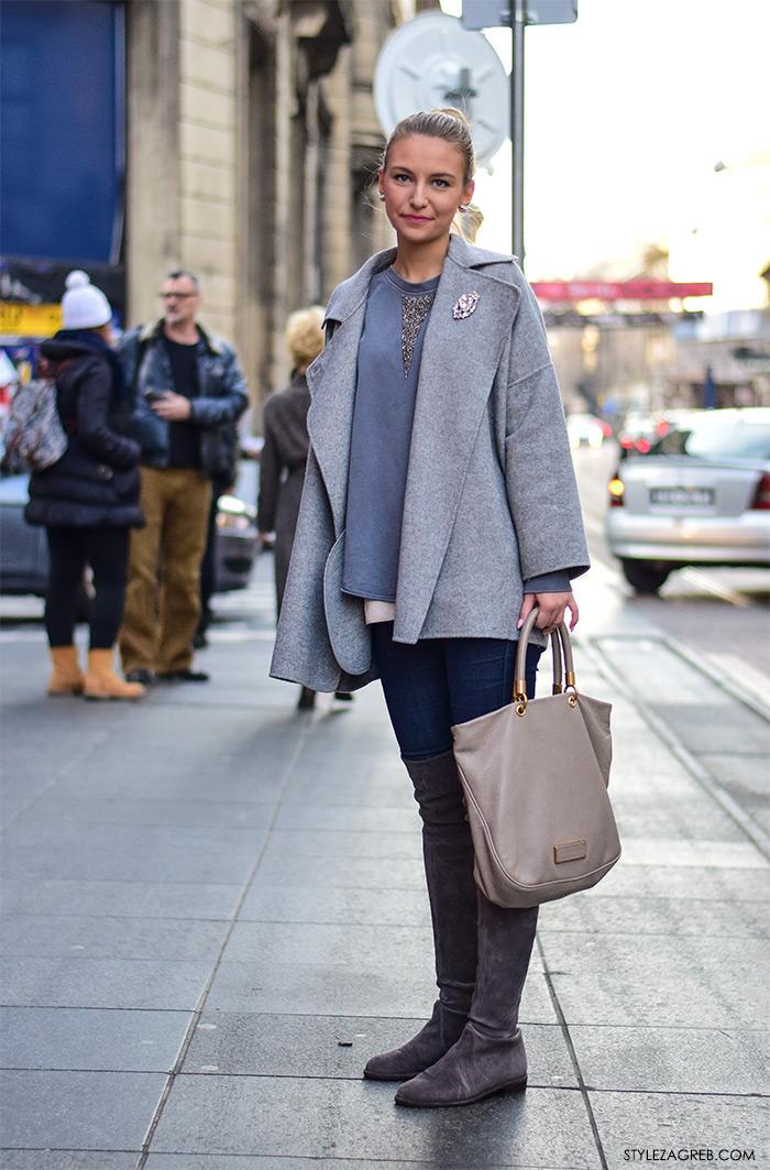 Ideje za dnevni poslovni stajling; Najnovija Zagreb street style moda; Iva Hodak studentica prava; sivi kaputić, sive čizme preko koljena i slojevita majica, Marc Jacobs torba