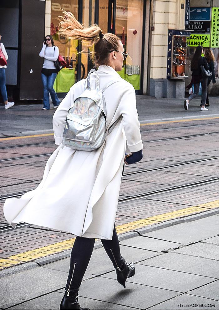 Zagrebačka proljetna špica street style, Zagreb street style, zagrebacka spica moda 2016, proljeće ulična moda cure, stajling: bijeli dugi lepršavi baloner i srebrni ruksak, frizura svezan visoki rep, Style Zagreb
