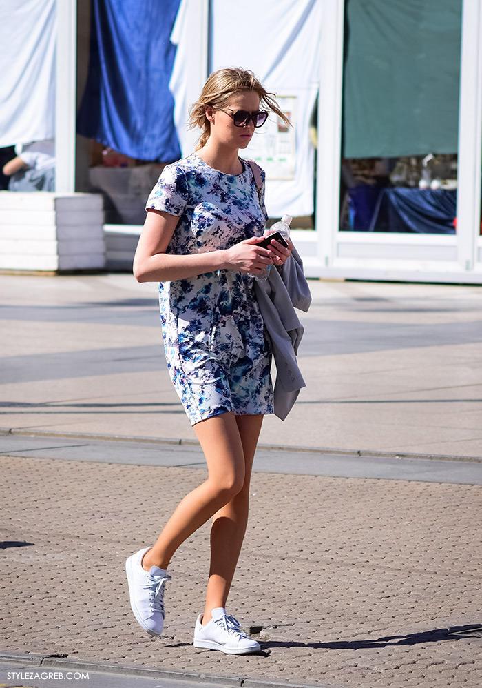 Zagrebačka špica, proljetni street style trendovi i modne kombinacije, mini haljina i bijele tenisice