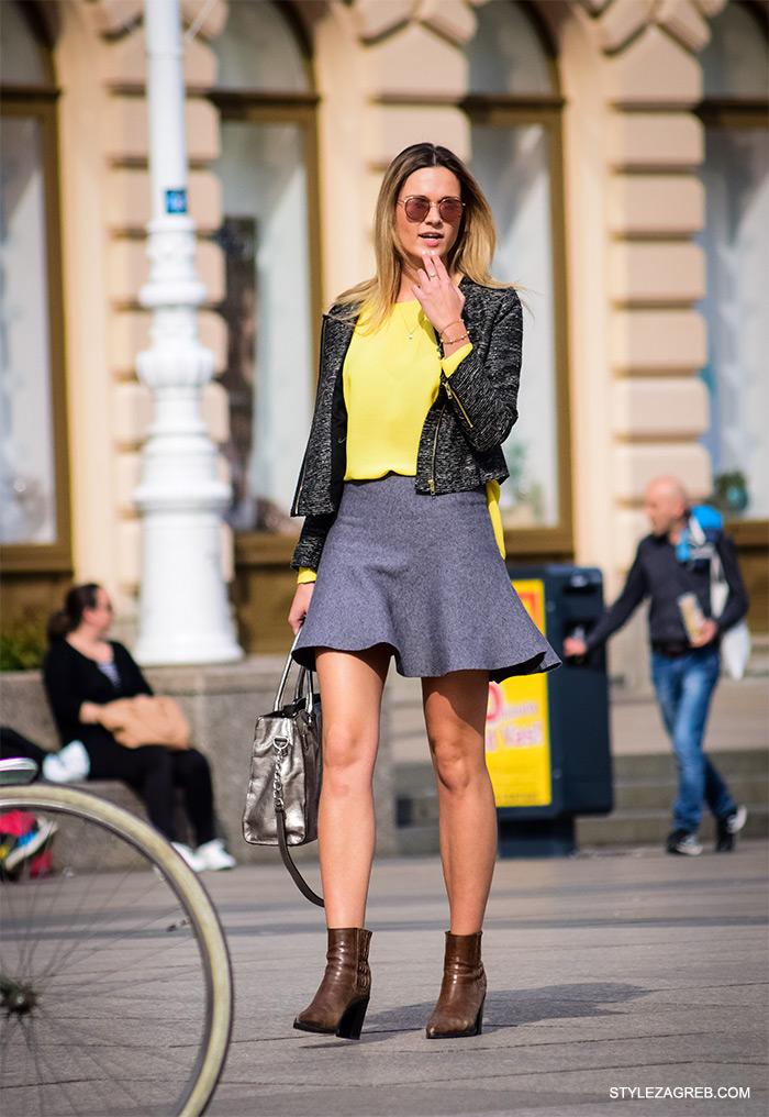 zgodna cura u sivoj minici i gležnjačama, cro moda street style zagreb žena ulična moda fashion hr zagrebačka proljetna špica modne kombinacije trend portal zena hr