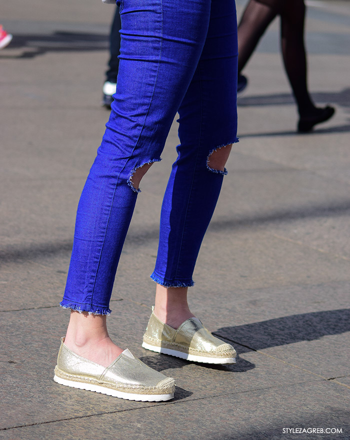 Street style Zagreb ljetna moda kako nositi zlatne espadrile i podrapane traperice