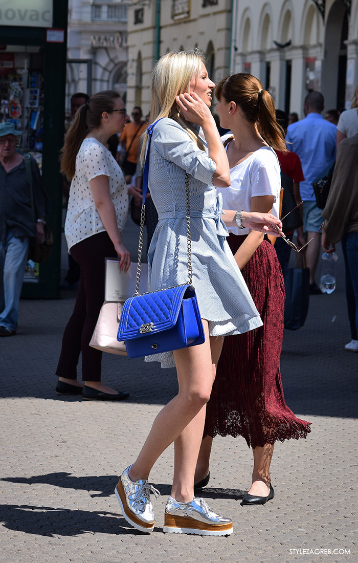 street style Zagreb, ulična ženska moda lipanj 2016, srebrne platforma cipele Stella McCartney, mini haljina