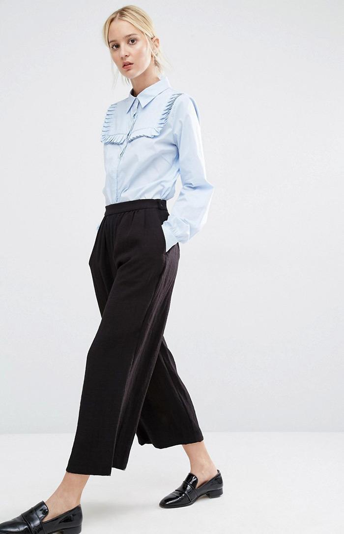 stajling za dnevnu inspiraciju: košulja s volanima i suknja-hlače, ženska moda