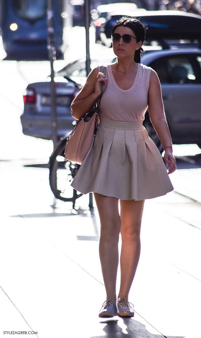 Ljeto ženska moda zagrebačka špica, street style Zagreb, kako nositi roza mini suknju
