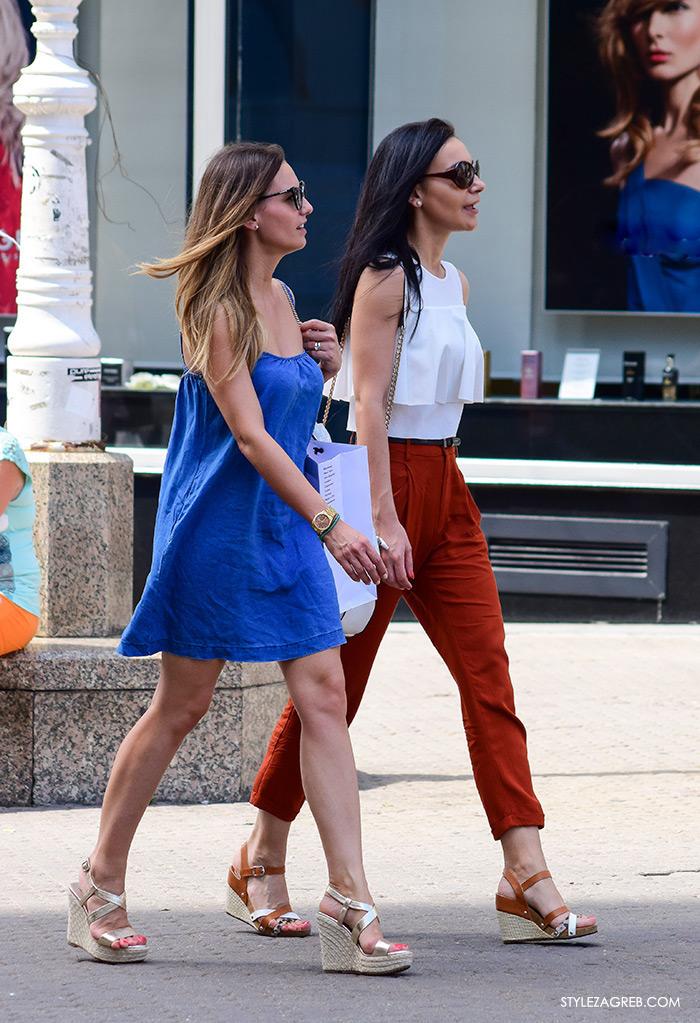Ljeto ženska moda zagrebačka špica, street style Zagreb, stylish cure, traper mini haljina, bijeli top na volane, špagerice na punu petu