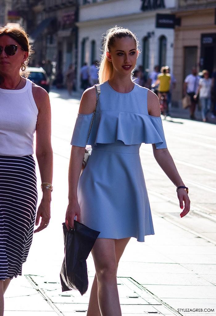 Ljeto ženska moda zagrebačka špica, street style Zagreb, svijetloplava haljina golih ramena s volanom