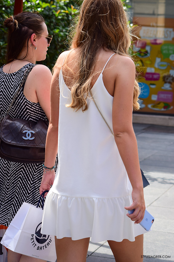 Ljeto ženska moda zagrebačka špica, street style Zagreb, kako nositi bijela mini haljina