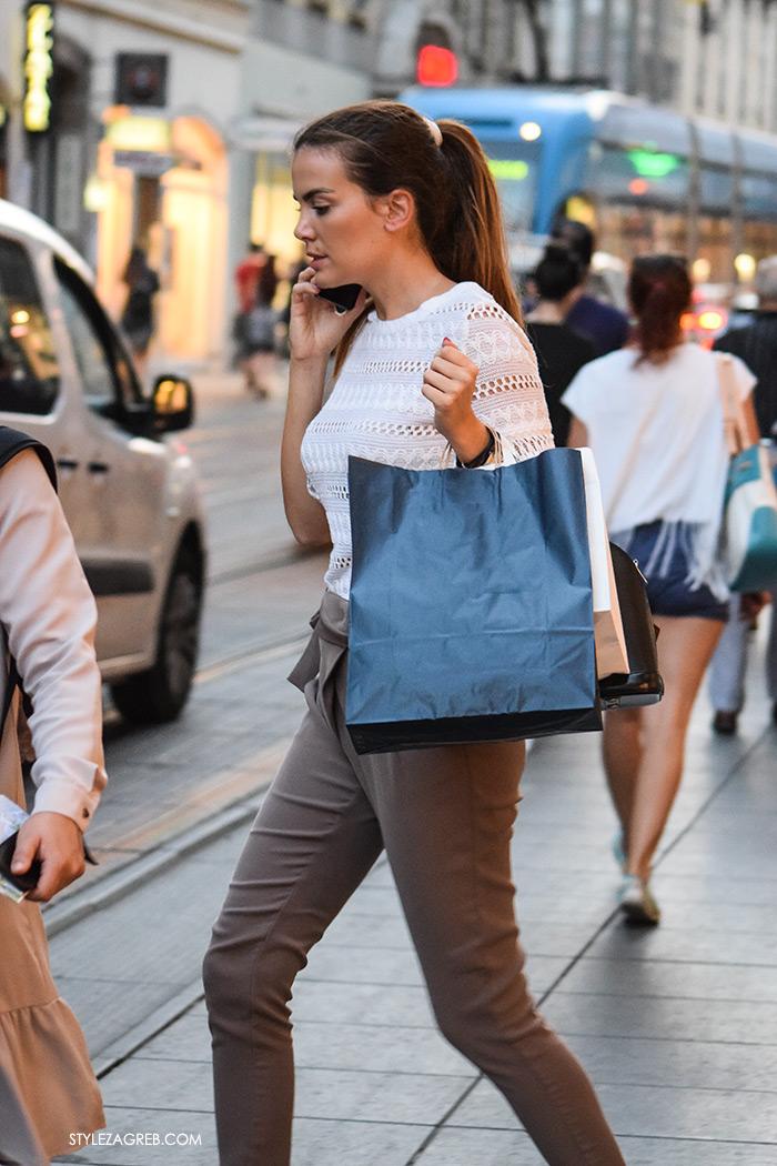 Street style Zagreb ulična moda rujan 2016 kraj ljeta Zara Ilica, plavi tramvaj