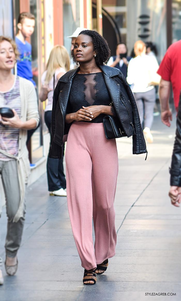 street style Zagreb moda jesen rujan 2016, roza široke hlače i bajkerska crna jakna, lijepa žena