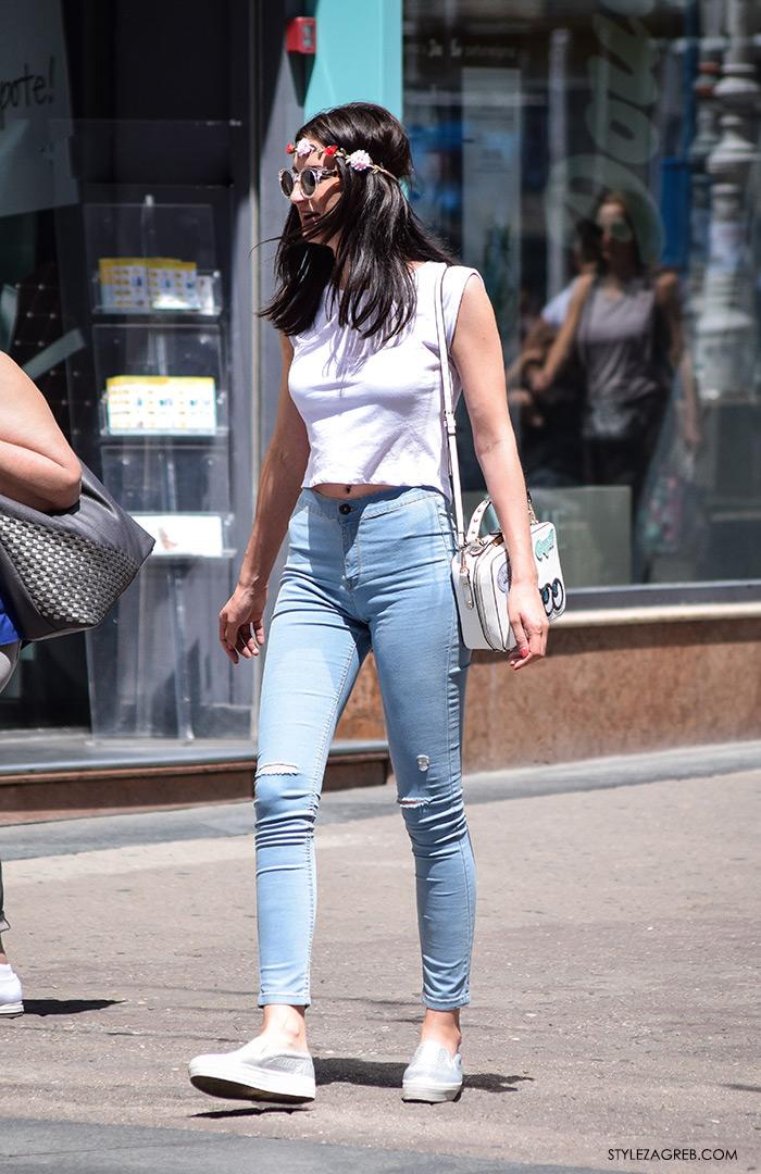 Moda: traperice i bijeli top Zagreb street style, croped top i uske traperice