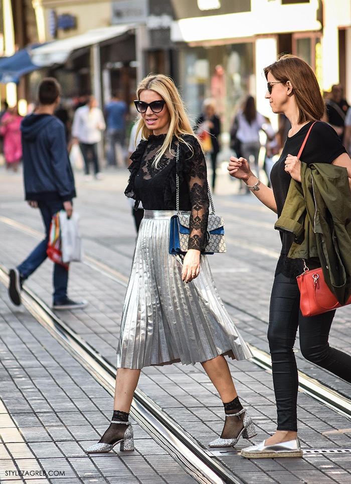 Metalik plisirane suknje i detalji: osvježavaju street style
