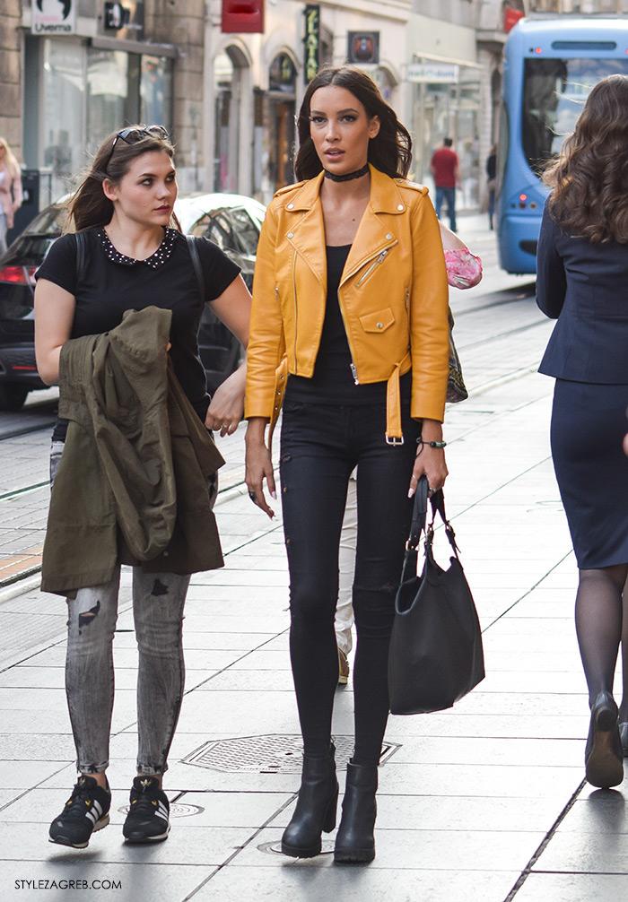 Street style Zagreb, moda zima 2016. kako nositi choker, žuta kožna jakna Zara, crne uske traperice, crna kožna jakna, crna majica i crni čipka choker, Ilica Zara