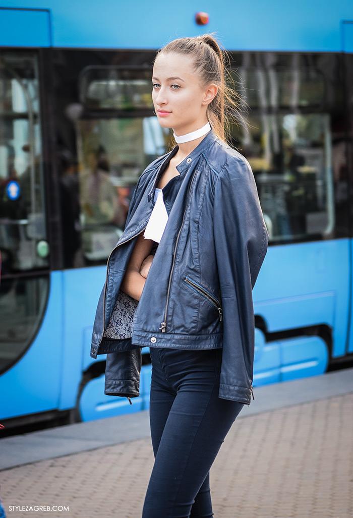 Mia Maretić, street style Zagreb, moda zima 2016. kako nositi choker, crne uske traperice, crna kožna jakna, bijela majica golih ramena i bijeli choker