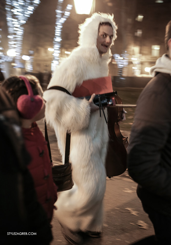 white fur Advent in Zagreb, kids play