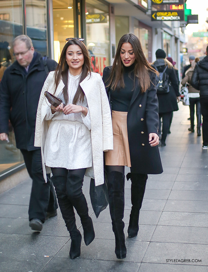 Style Zagreb lijepe djevojke bijala minica bijeli kaput crne čizme preko koljena kožna minica elegantni crni kaput sa zlatnim gumbima fotka street style moda, womens street style winter fashion girl squad