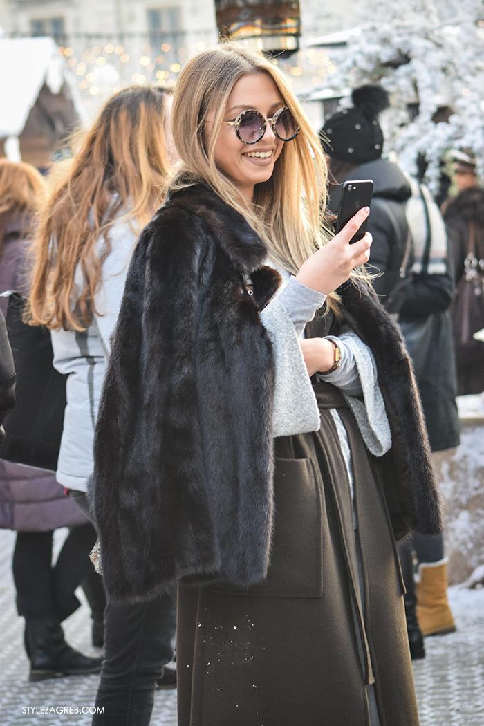 Slojevito: evo kako postići izvrstan zimski outfit! Street style moda Zagreb, gdje kupiti prsluk od štofa, kaput bez rukava, winter women's fashion how to style wear sleveless coat styling tips ideas, grey jumper Zara, grey jeans Zara, ankle boots, black coat with fur collar, Dior black bag