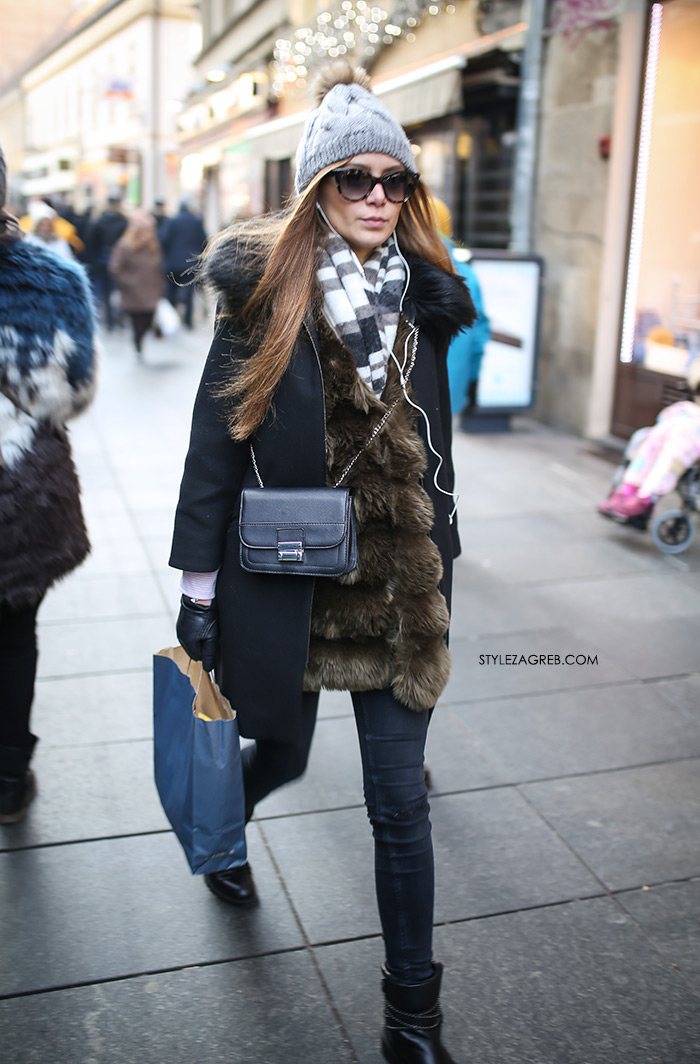 Slojevito: evo kako postići izvrstan zimski outfit! Street style moda Zagreb, gdje kupiti dugi džemper, krzneni prsluk, beanie siva kapa s coflekom, kaput bez rukava, winter women's fashion how to style wear sleveless coat styling tips ideas, Zara shopping, ankle boots