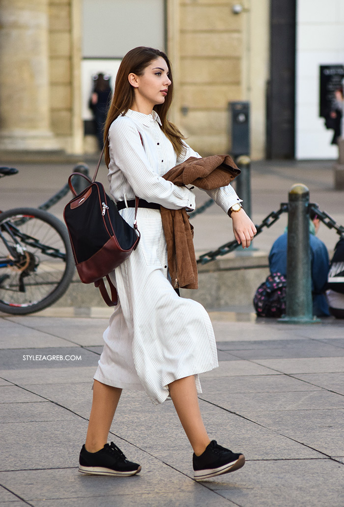 street style Zagreb Hrvatska spring fashion hr Croatia bijela košulja haljina i plave tenisice s debelim potplatom ruksak lijepa žena hr ulična moda najnovije slike špica