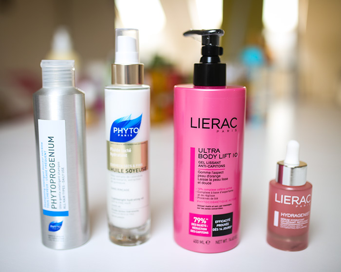Lierac Ultra Body Lift 10 zaglađujući gel za tijelo, 360,85 kn; Lierac Hydragenist serum za sve tipove kože 421,12 kn; Phyto lagano mliječno ulje za kosu Soyeuse 263,34 kn; Phyto Phytorogenium šampon za uravnoteživanje flore vlasišta, 117,37 kn