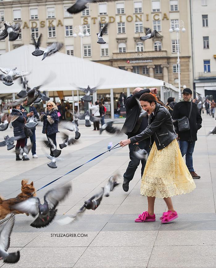 Žuta čipkasta suknja, nabrana u struku, midi duljine, Style Zagreb moda zagreb špica danas Mate Mikić Instagram