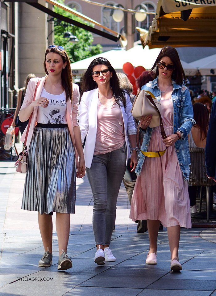 Street style Zagreb kako nositi roza boja stajling kombinacija plisirane suknje