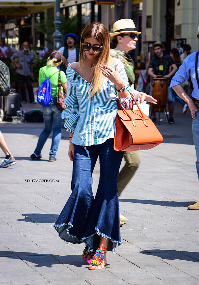Zara ekstremno zvonolike traperice i prugasta košulja golih ramena