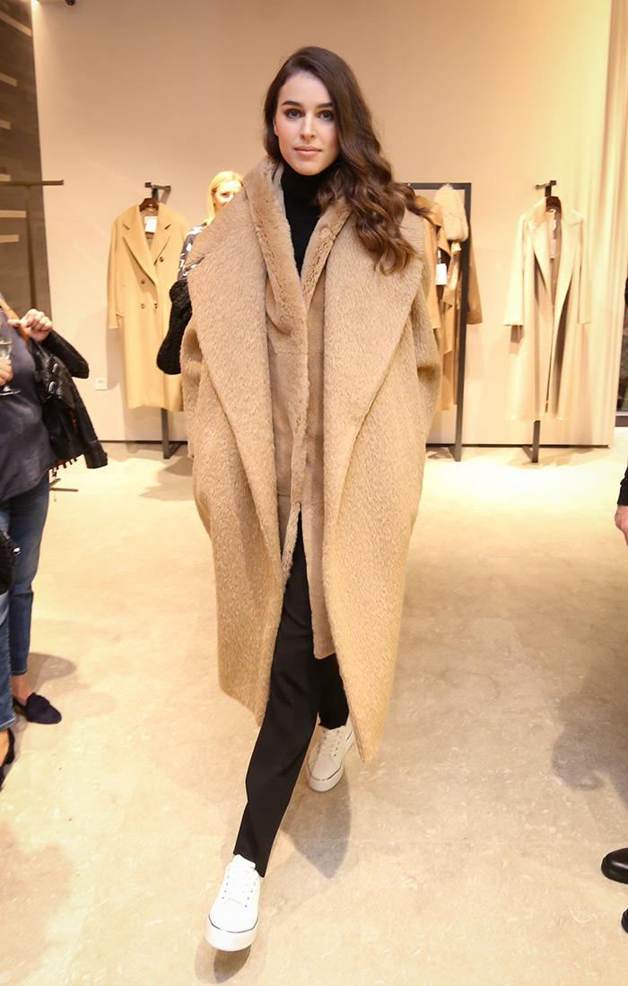Max Mara ove sezone uvodi i novitet – predivnu crvenu nijansu camela zagreb trgovina moda zima