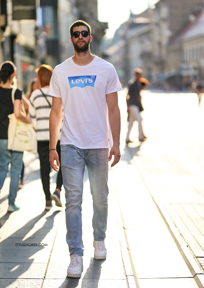 Zgodan pobožan Leon Tomić košarkaš Style Zagreb