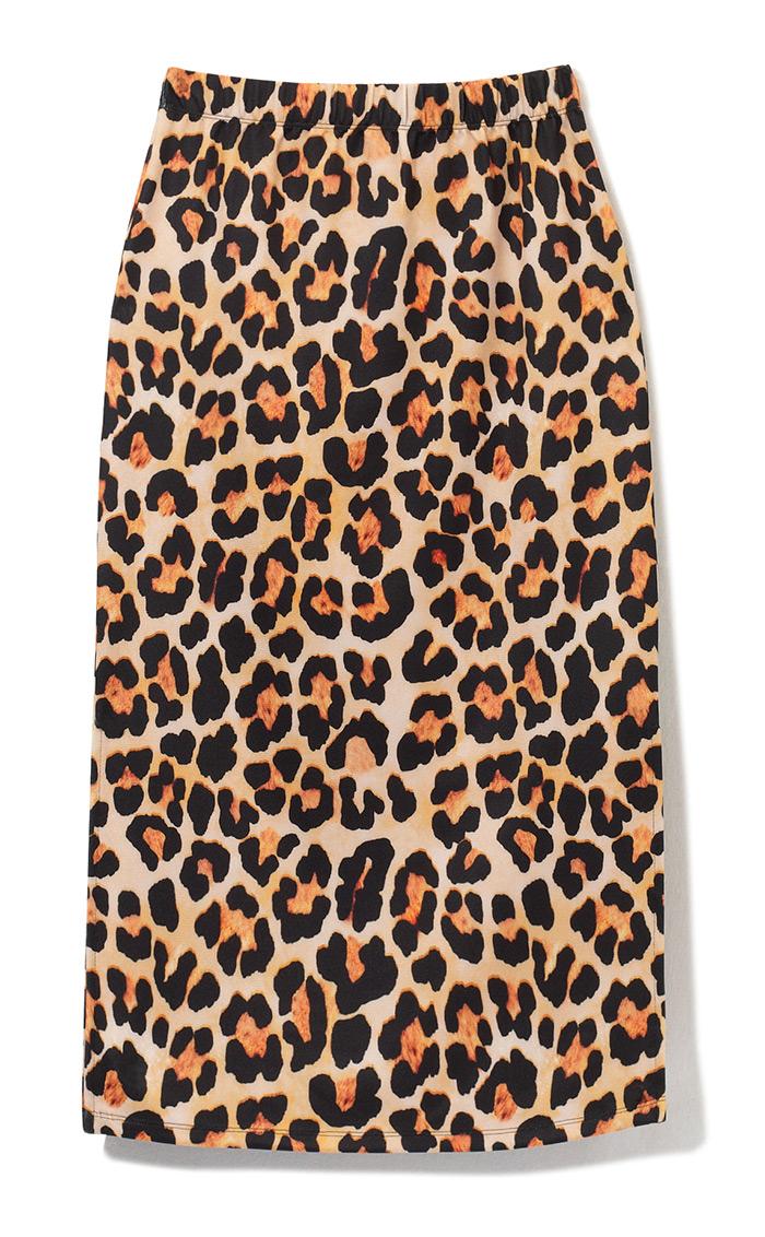 Kombiniranje suknje leopard uzorka crveni džemper