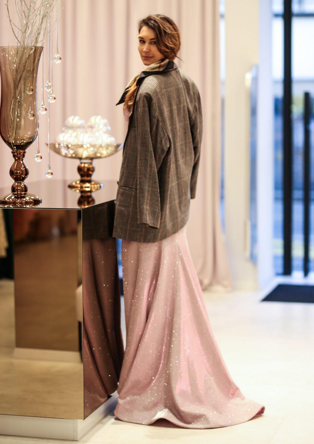 S arhitekticom Ivanom Vrban odjenuli raskošne haljine i pregledali novu trgovinu