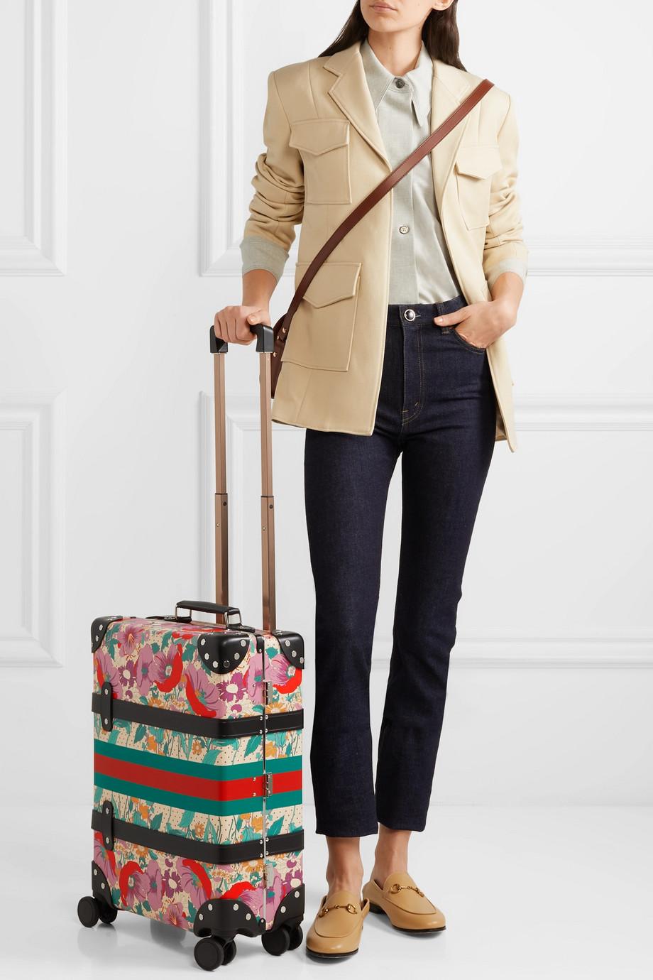 Ušminkani koferčići prizivaju putovanja
