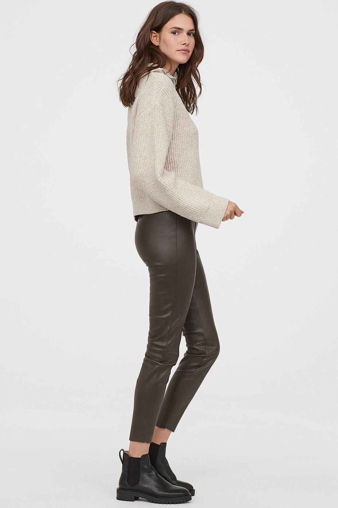 zenska moda 2019 street style hm kožne hlače