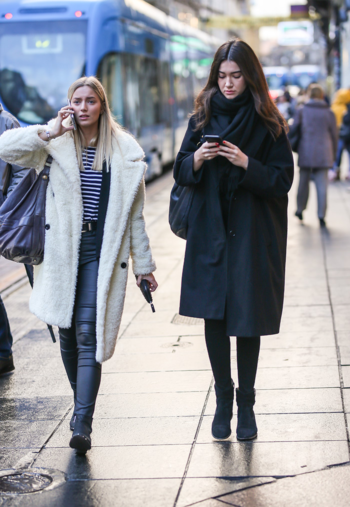 zimski street style outfiti zagrebačka špica prosinac 2019 street fashion zagreb black coat Isabel Marant, Abercrombie & Fitch white teddy bear coat zara teddy kaput zara ilica zagreb