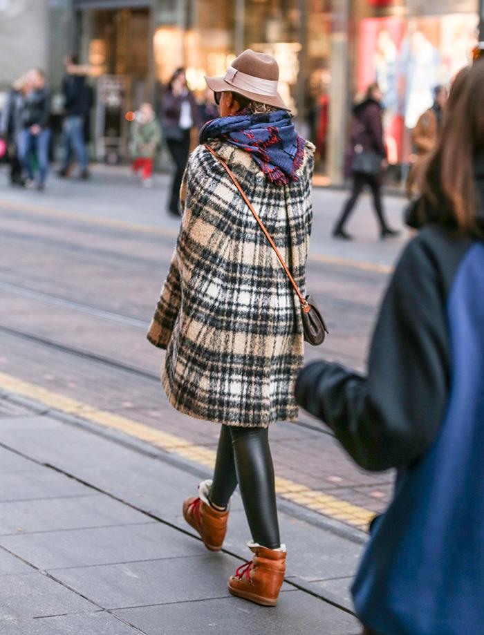 zagrebačka špica pelerina Paule & Joe najbolji kaputi Zara Mango Asos Gucci street style zagreb prosinac ženska moda zima 2019 vintage pelerina