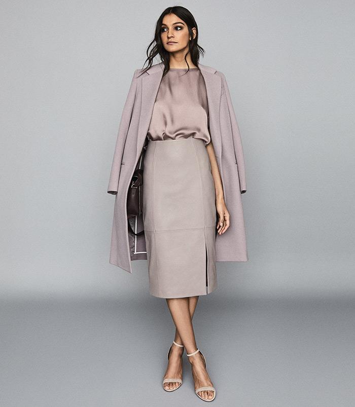 moda siječanj reiss poslovni look kožne suknje