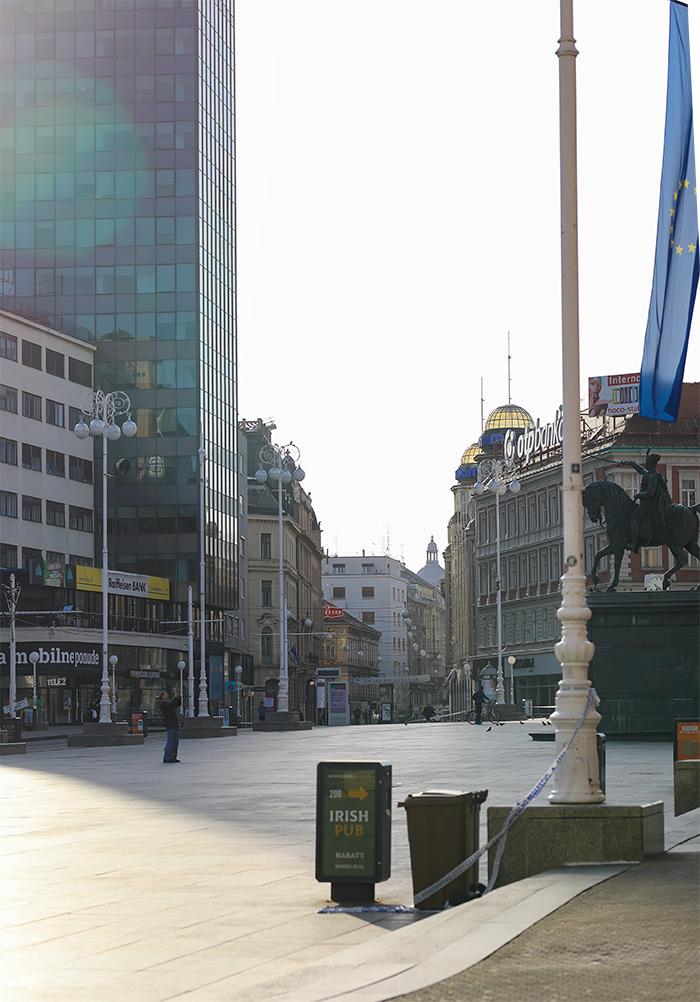 koronavirus potres Zagreb fotke fotografije nakon potresa trg bana jelačića špica