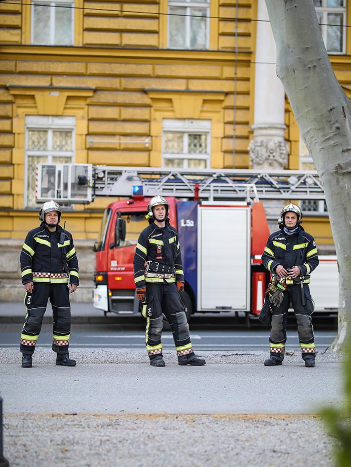 koronavirus potres Zagreb fotke fotografije nakon potresa vatrogasci