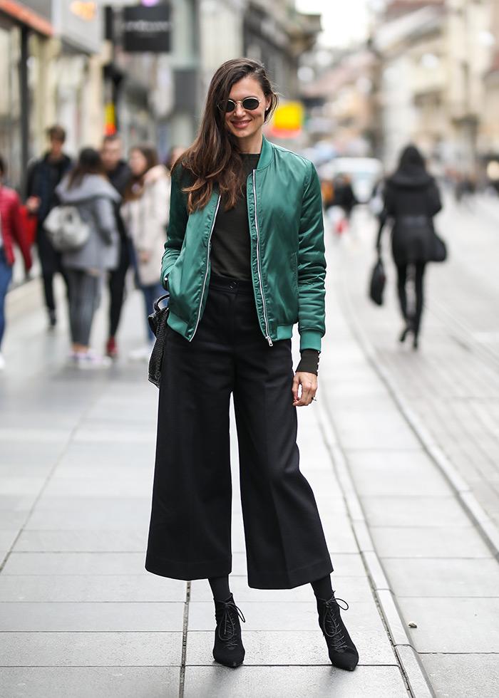 Martina Matušin bomber jakna crne culotte suknja-hlače za poslovni look