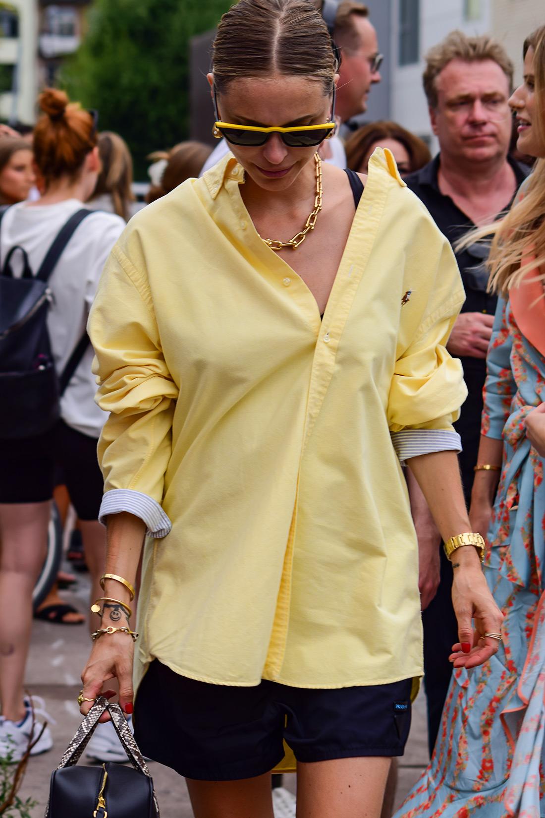 Pernille Teisbaek kako kombinirati mušku košulju ženska moda