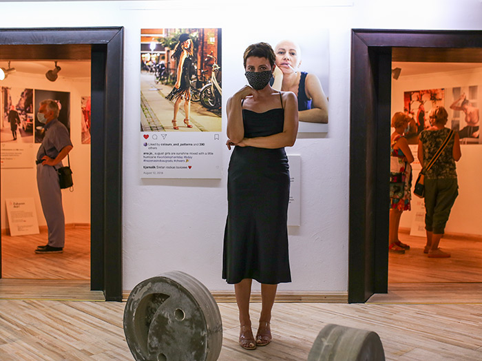 Ana Josipović izložba Kako sam lagala na Instagramu, Novi Sad Dunavski dijalozi