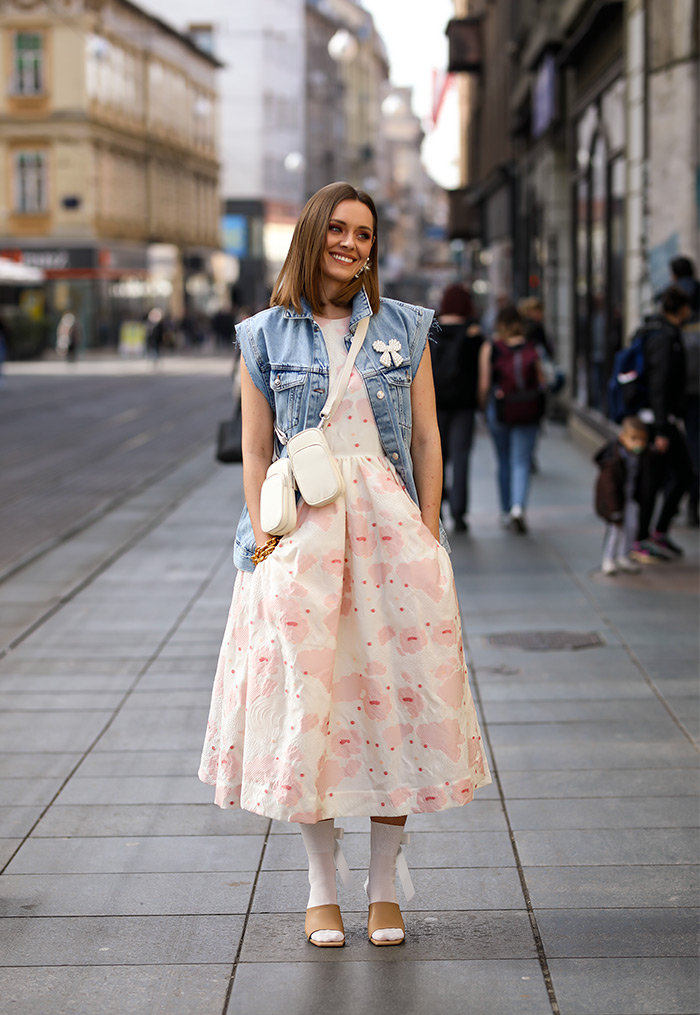 Kreacije Simone Rocha x H&M street style moda na ulicama Zagreba. Isprobali smo, pogledajte! Foto: Ana Josipović i Slavica Josipović, kiparica i dizajnerica Karla Ljubičić