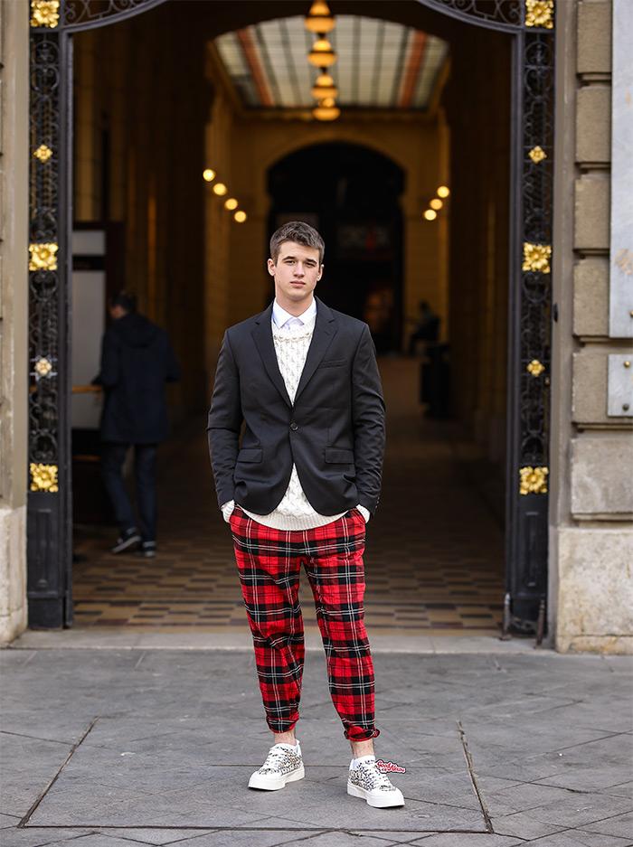 Kreacije Simone Rocha x H&M street style moda na ulicama Zagreba. Isprobali smo, pogledajte! Foto: Ana Josipović i Slavica Josipović, student Lovro Tovernić muška moda
