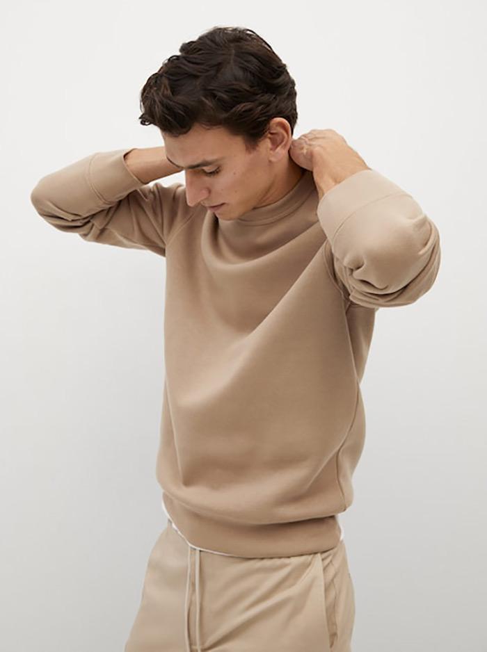 U doba popularizacije comfort odjeće u modi, ovakvi komadi postali su dragocjena riznica za slaganje svakodnevnih ženskih stylinga, a žene su u muškoj odjeći na poseban način atraktivne